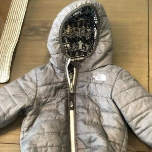 The north face size 12-18 m silver hooded jacket